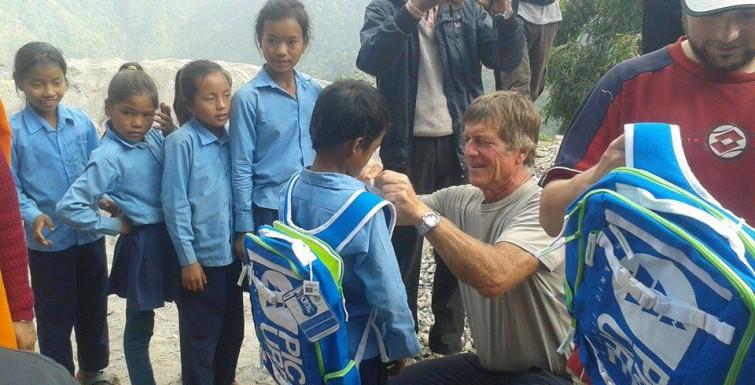 Picture reput koululaisille Nepalissa!